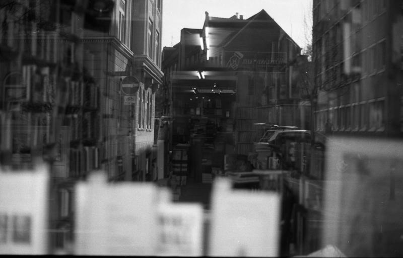 Walking and exploring my urban with my analog camera.